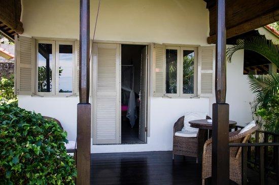 Kembali Beach Bungalows : Veranda