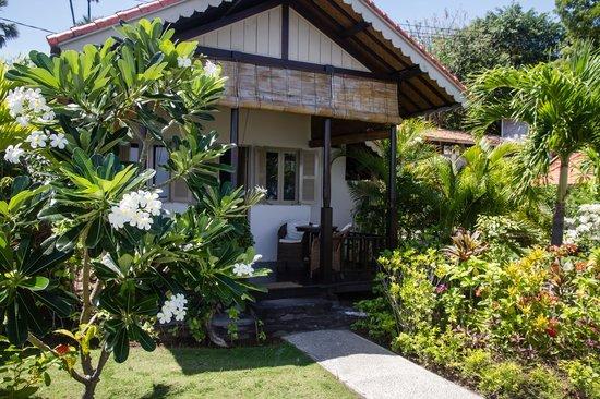 Kembali Beach Bungalows : De bungalow
