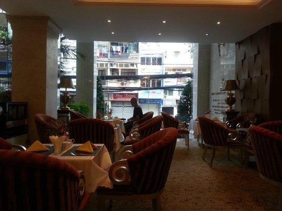 Grand Silverland Hotel & SPA : Ausblick von der Lobby