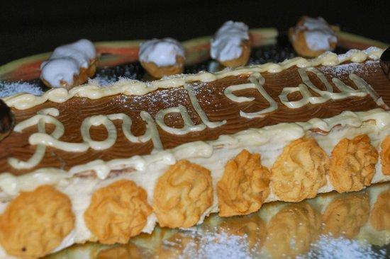 Hotel Club Royal Saly: Una delle tante torte