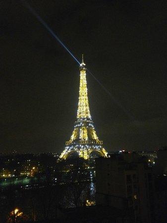 Shangri-La Hotel Paris : View from room