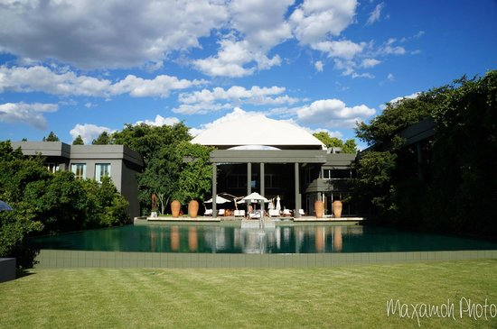 Saxon Hotel, Villas and Spa: Main Pool and Restaurants