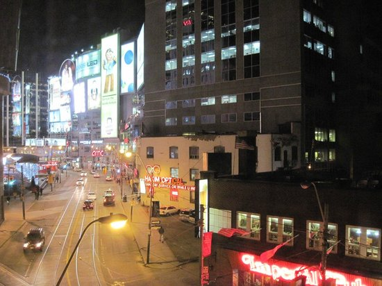 Bond Place Hotel: Looking out toward Dundas Square