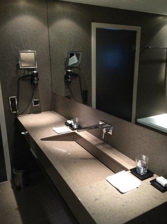 Grischa - DAS Hotel Davos: Bath