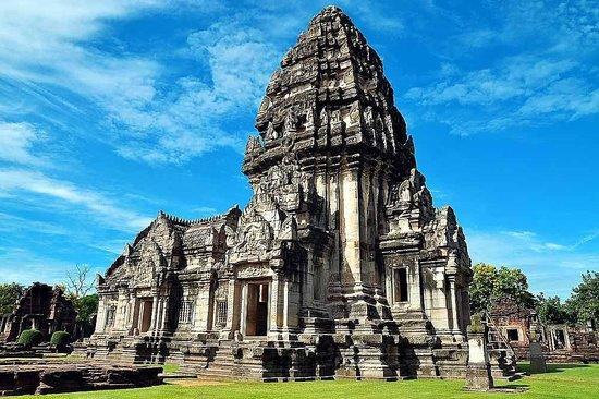 Phimai Historical Park - Picture of Prasat Hin Phimai ...
