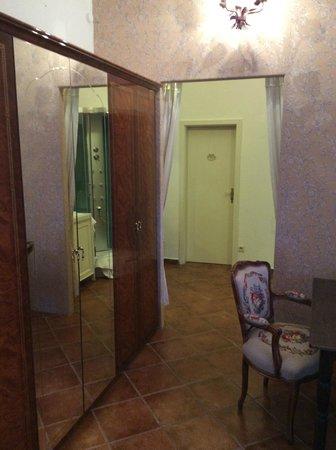 Villa Romantika: x