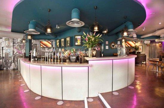 Rupert Street: Full Bar