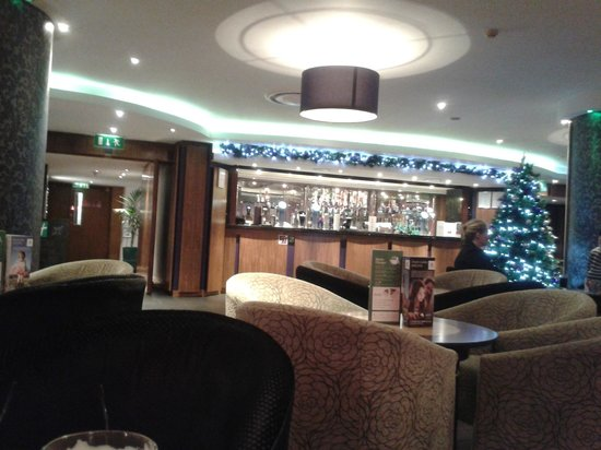 Holiday Inn Birmingham City Centre: The bar Sunday evening