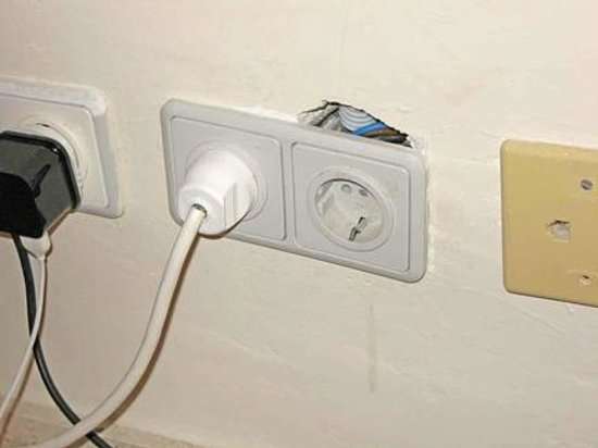 Grupotel Playa Camp de Mar: Plug in the bedroom