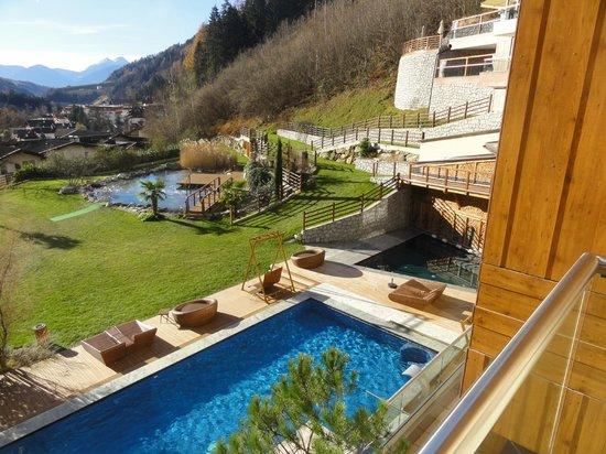 Quellenhof Sport & Wellness Resort: VISTA DA UNA CAMERA DEL HOTEL VITAL