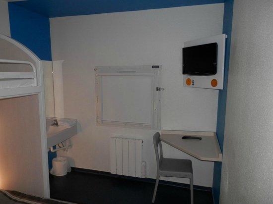 hotelF1 Blois Nord : Tele