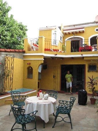 Hostal Las Margaritas: Gården