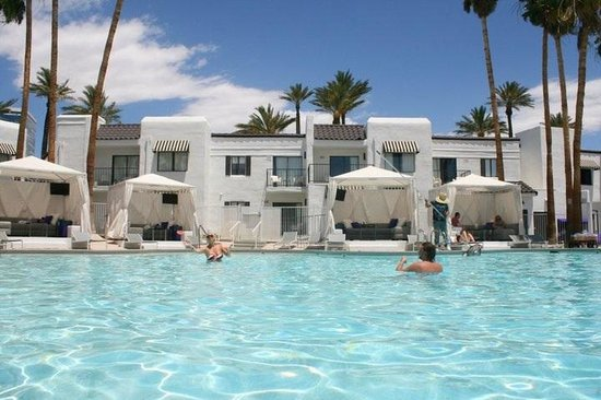 Rumor Hotel: Poolarea
