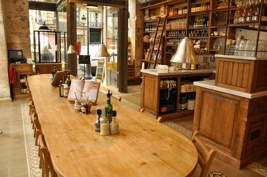 Int rieur picture of le pain quotidien paris tripadvisor for Le for interieur