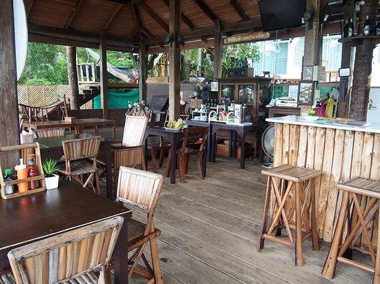 Bhuvarin Resort: Restaurant