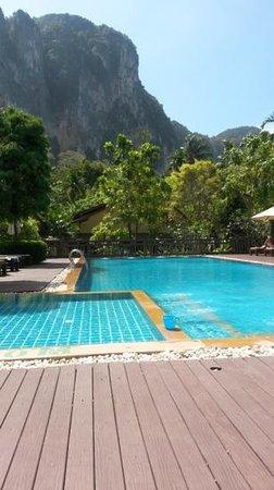 Aonang Phu Petra Resort, Krabi: pool with a view!