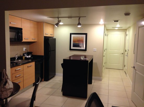 Residence Inn Fort Lauderdale Intracoastal/Il Lugano: Beautiful kitchen!