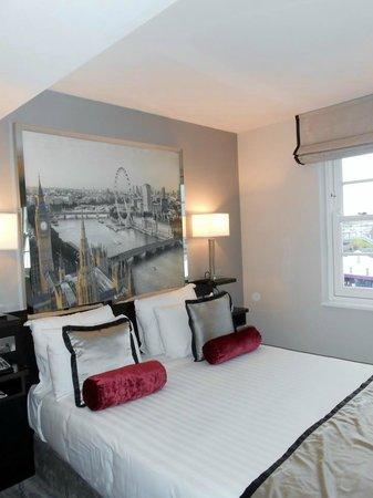 DoubleTree by Hilton London Greenwich : Le lit King size