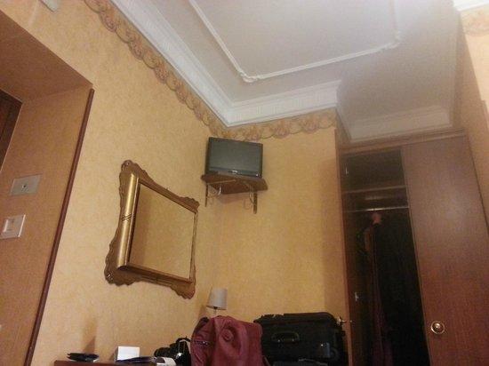 Villa San Lorenzo Maria Hotel: tv