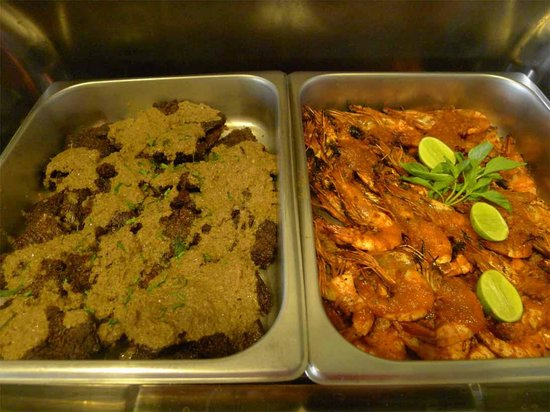Adhi Jaya Hotel: Buffet Indonesian lunch