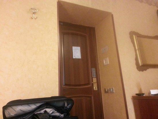 Villa San Lorenzo Maria Hotel: Room door