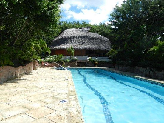 Pelican Eyes Resort & Spa: Upper Pool - Restaurant Closed for season