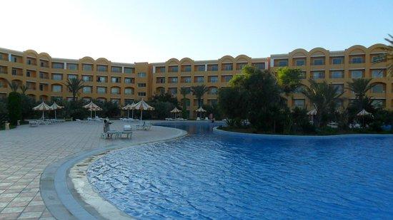 Nour Palace Resort : Большой очень большой бассейн