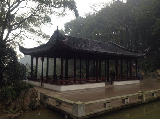 Luzhou, Κίνα: Good park. Beautiful views and clear air. You can to relax there or to make a jog.