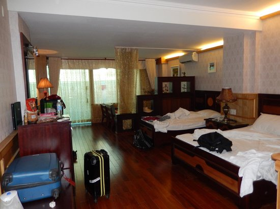 Duc Vuong Hotel: our suite