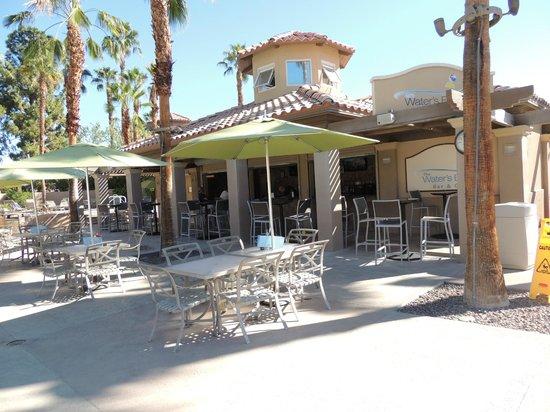 Marriott's Desert Springs Villas II: Main Pool Bar