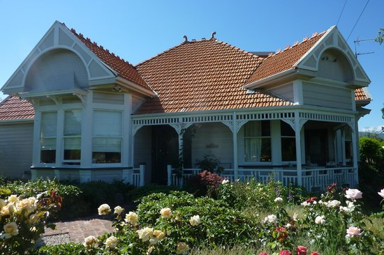 ‪‪Anglesea House Bed & Breakfast‬: Front view of Anglesea‬