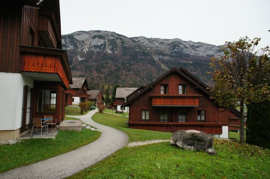 Mondi-Holiday Seeblickhotel Grundlsee : View of apartment