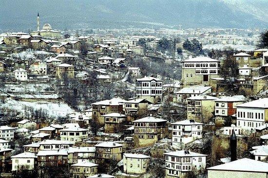 Safranbolu, Turkey: Kışı ayrı yazı ayrı güzel memleketim.  Mandacı.