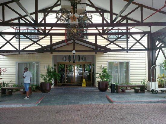 Courtyard Paramaribo: Entrance