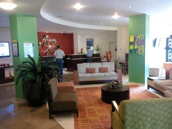 Courtyard Paramaribo: Hotel Lobby