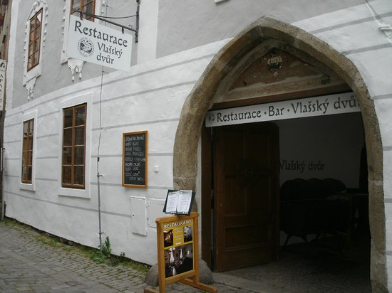 CASTELLI  Italian Restaurant : Entrance to the restaurant.
