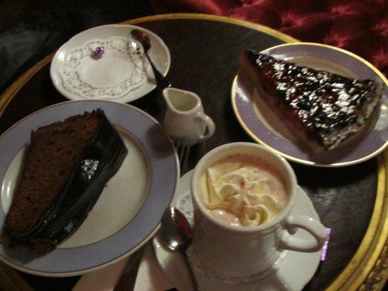 Cafe Schober: very nice blueberry tart