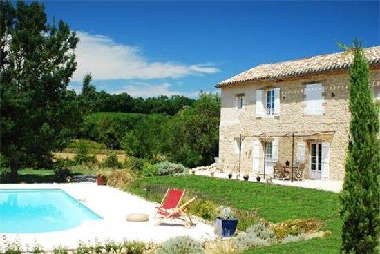 Le Val de la Garenne: La maison et sa piscine