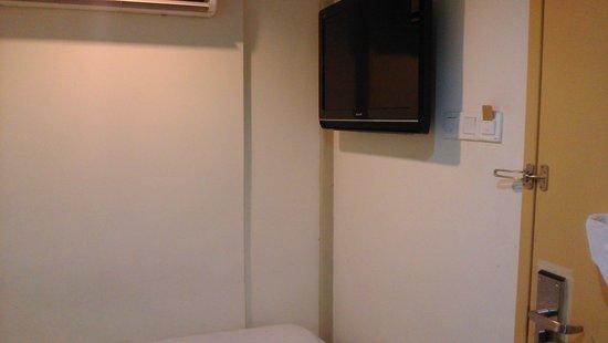 T-Hotel Kuala Lumpur: ТВ