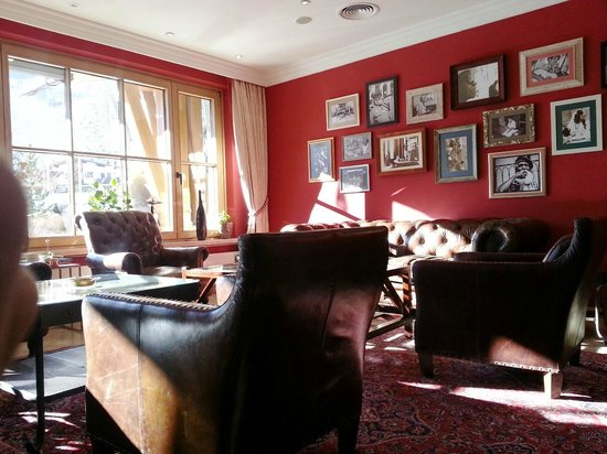 Das Central - Alpine . Luxury . Life : Beautiful cigar lounge