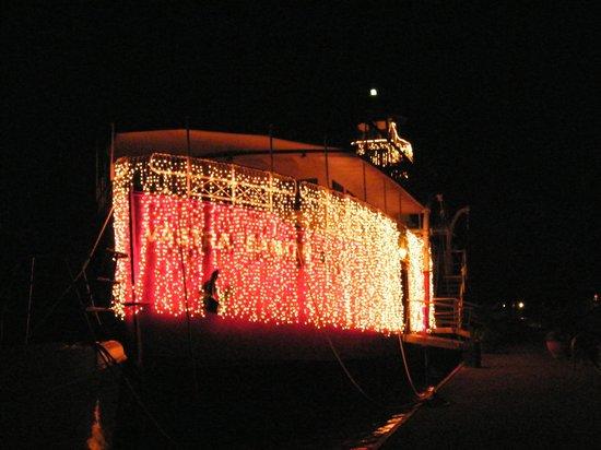 Le Phare Bleu Marina & Resort : The Lightship--seasonal restaurant