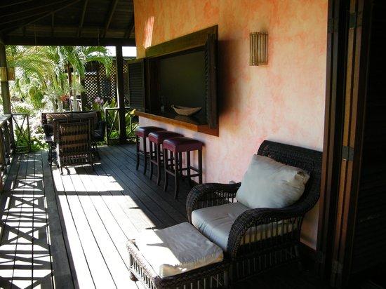 Le Phare Bleu Boutique Hotel & Marina: Outdoor balcony of villa