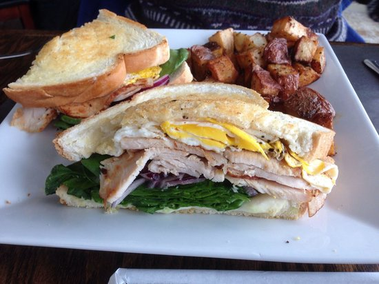 Harvest Cafe: Great breakfast sandwich.