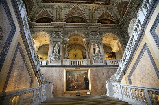 Muséum d'histoire naturelle de Vienne : Centrale hal