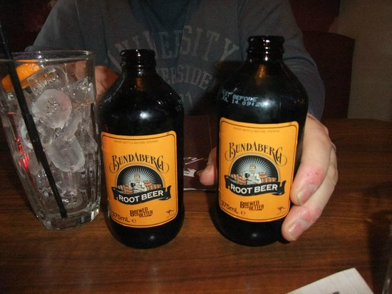 Hickory's Smokehouse: ROOT BEER mmmmmmmmm