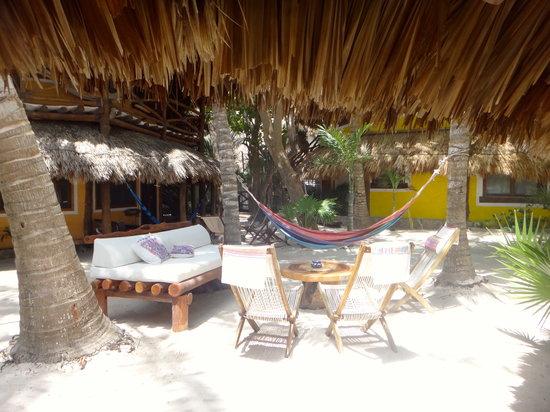 Holbox Hotel Mawimbi: relaxing at Mawimbi
