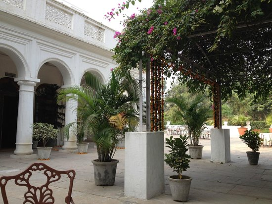 Neemrana's - Baradari Palace: front of the palace