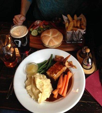 The Ringlestone Inn: The yummy pork belly and delicious hamburger