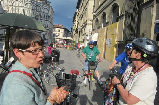 Italy Cruiser Bike Tours: In the square...