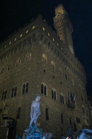 Italy Cruiser Bike Tours: The David at night
